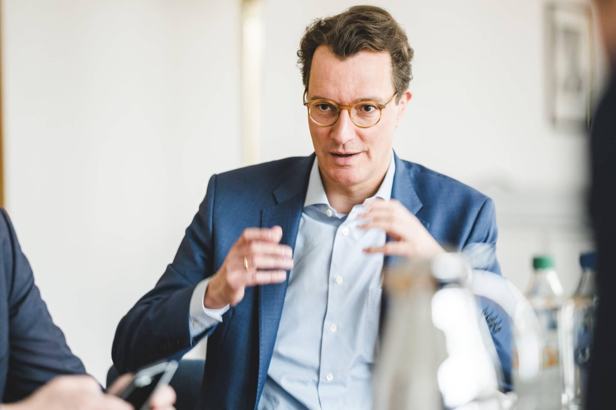 NRW-Verkehrsminister Hendrik Wüst (Foto © Anja Tiwisina)